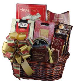traditional-christmas-gift-basket
