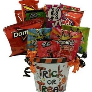 Halloween gift baskets canadatrick or treat gift baskets toronto halloween fun negle Gallery