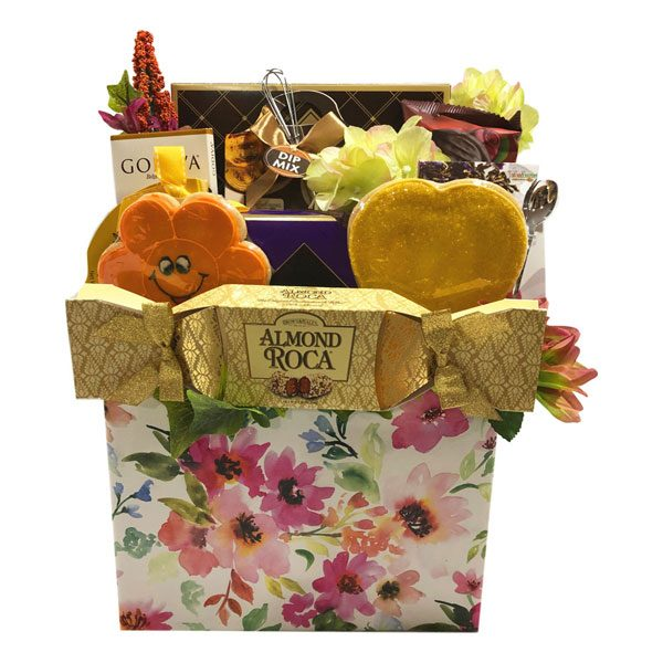 Edible Arrangements Gift Basket